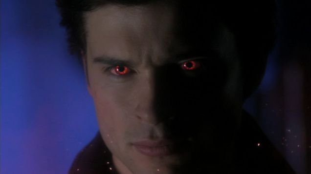 Clark Kent (Tom Welling) with red kryptonite eyes, from Smallville via Wikia